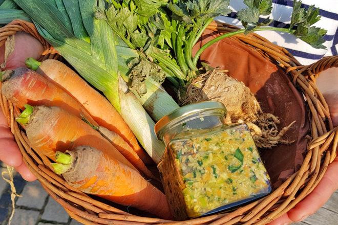 Gemüsebrühe selber machen: Ganz einfach aus frischem Gemüse.